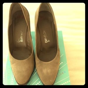 Ferragamo beige and brown suede and leather pumps